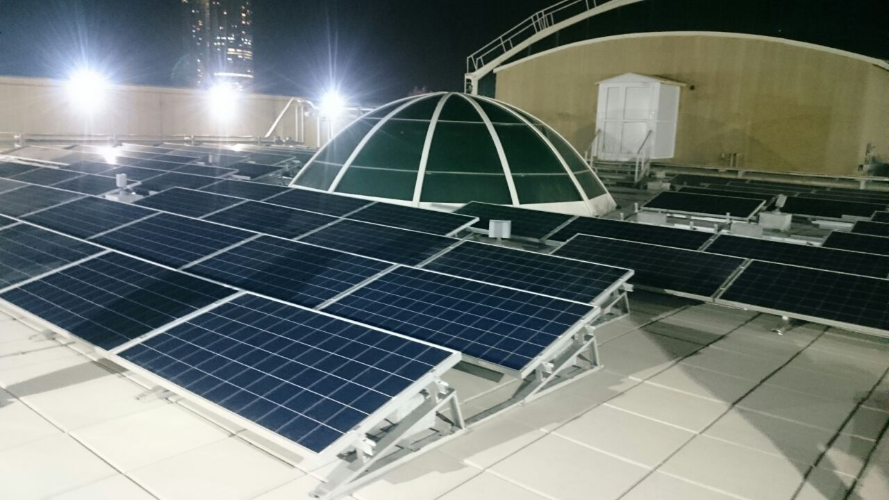 Sunrack ballast flat roof solar mounting system is very popular in the UAE market